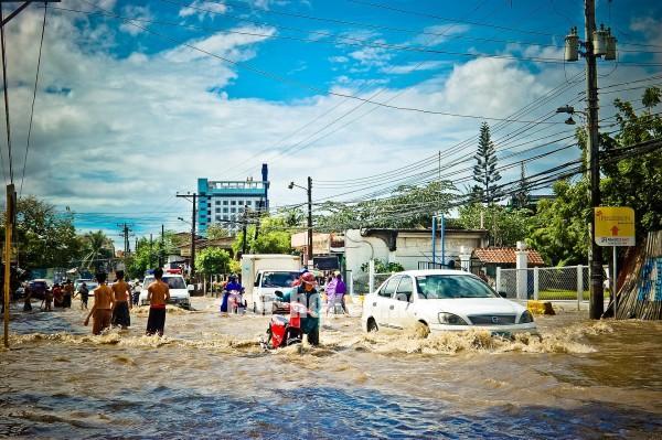 flood-965092_1920